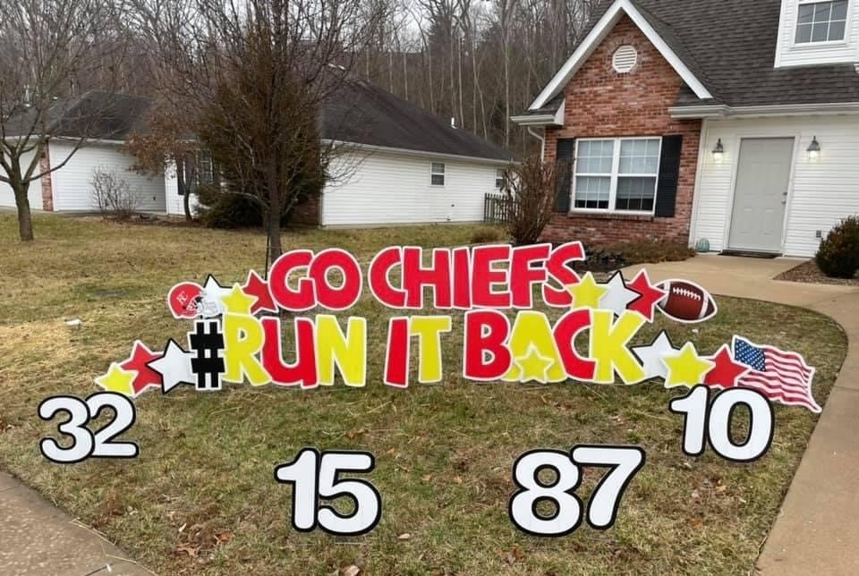 celebration yard signs go chiefs